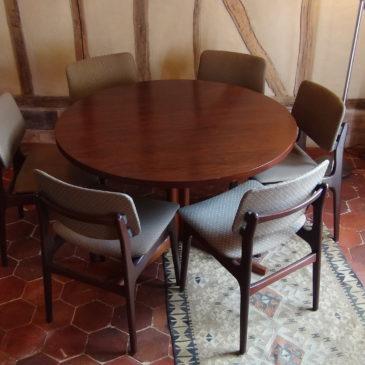 Table et chaises Scandinave vers 1960