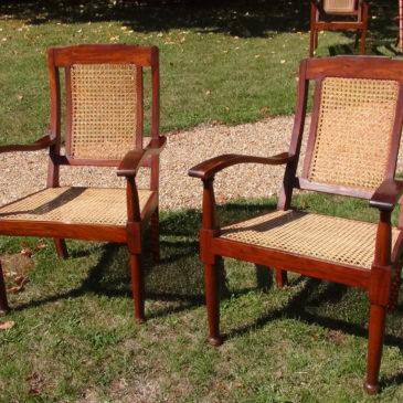 Petits fauteuils (paire) cannés