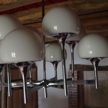 Lustre 8 lumières en métal chromé vers 1960