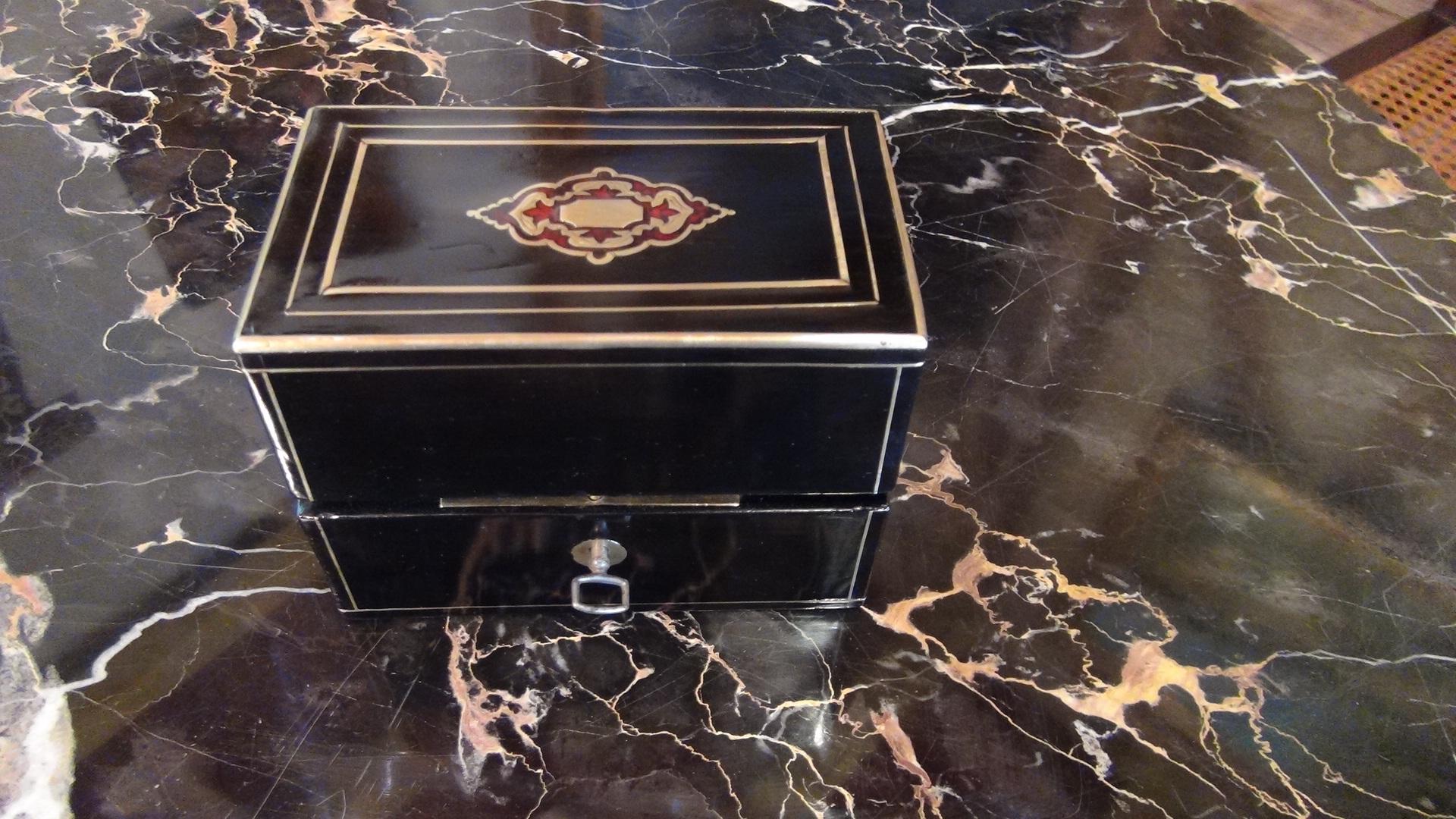 coffret senteur napol on iii duchaylat antiquit s. Black Bedroom Furniture Sets. Home Design Ideas