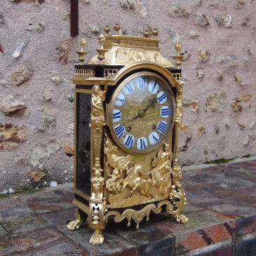 "Pendule ""religieuse"" époque Louis XIV"